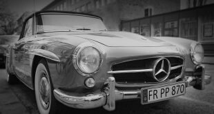 Grayscale Photography of Classic Mercedes Benz Car Wallpaper